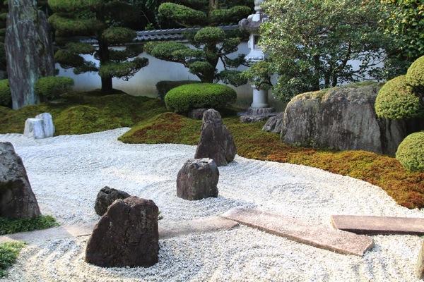 京都霊雲院紅葉観光スポット001.jpg