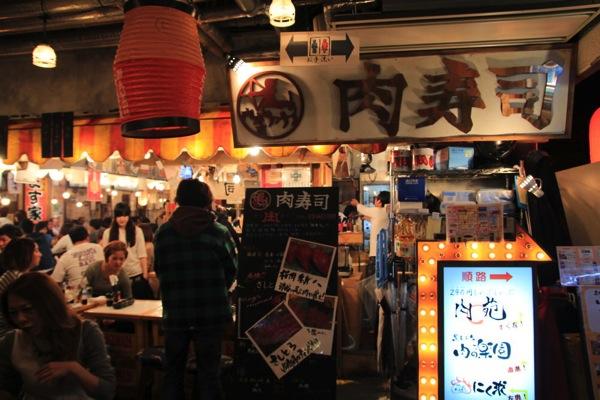 渋谷肉横丁肉寿司002.jpg