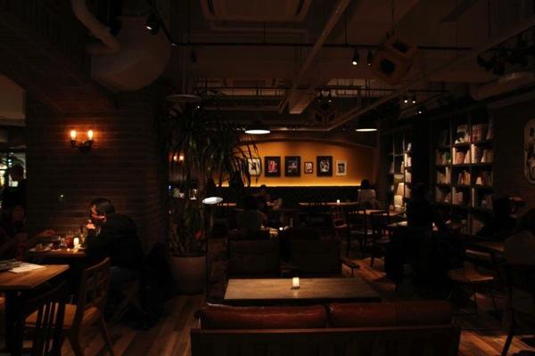 静岡bluebookcafe電源6.JPG