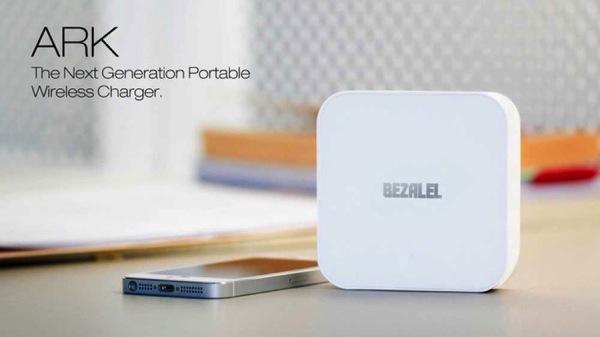 モバイルバッテリー「ARK」。ワイヤレス充電Qi1.jpg