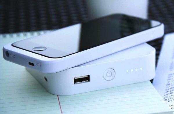 モバイルバッテリー「ARK」。ワイヤレス充電Qi6.jpg