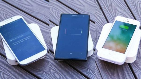 モバイルバッテリー「ARK」。ワイヤレス充電Qi4.jpg