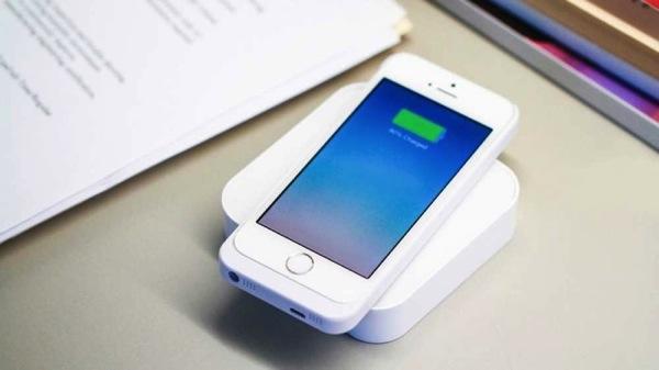 モバイルバッテリー「ARK」。ワイヤレス充電Qi7.jpg