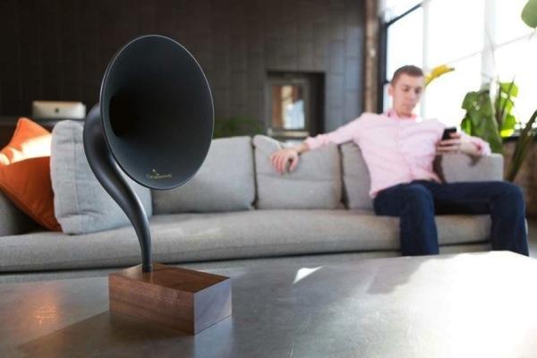 蓄音機型Bluetoothスピーカー「Gramovox」1.jpg
