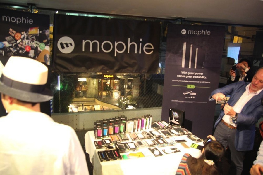 mophie-spacepack20.jpeg