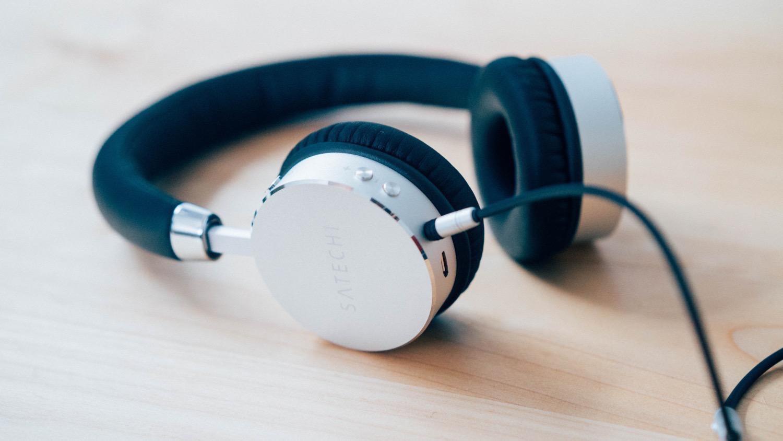 Satechi aluminum wireless headphone 11
