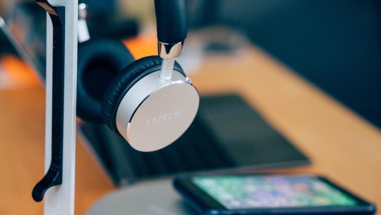 Satechi aluminum wireless headphone 2