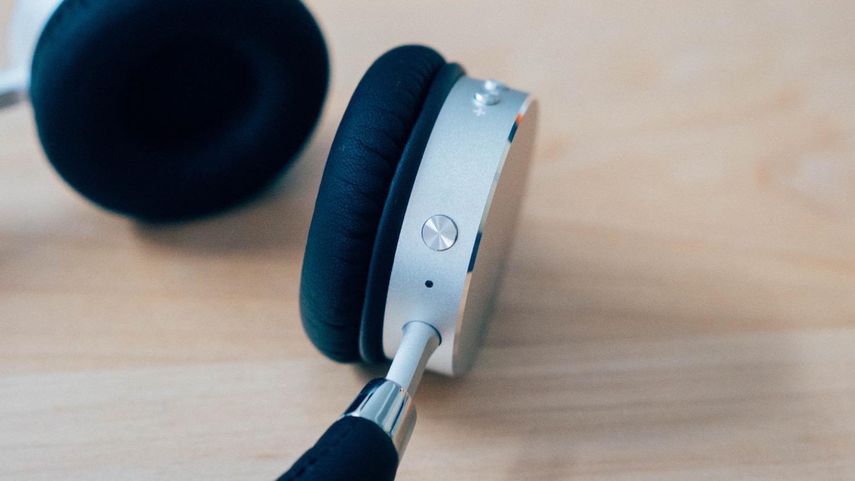 Satechi aluminum wireless headphone 7