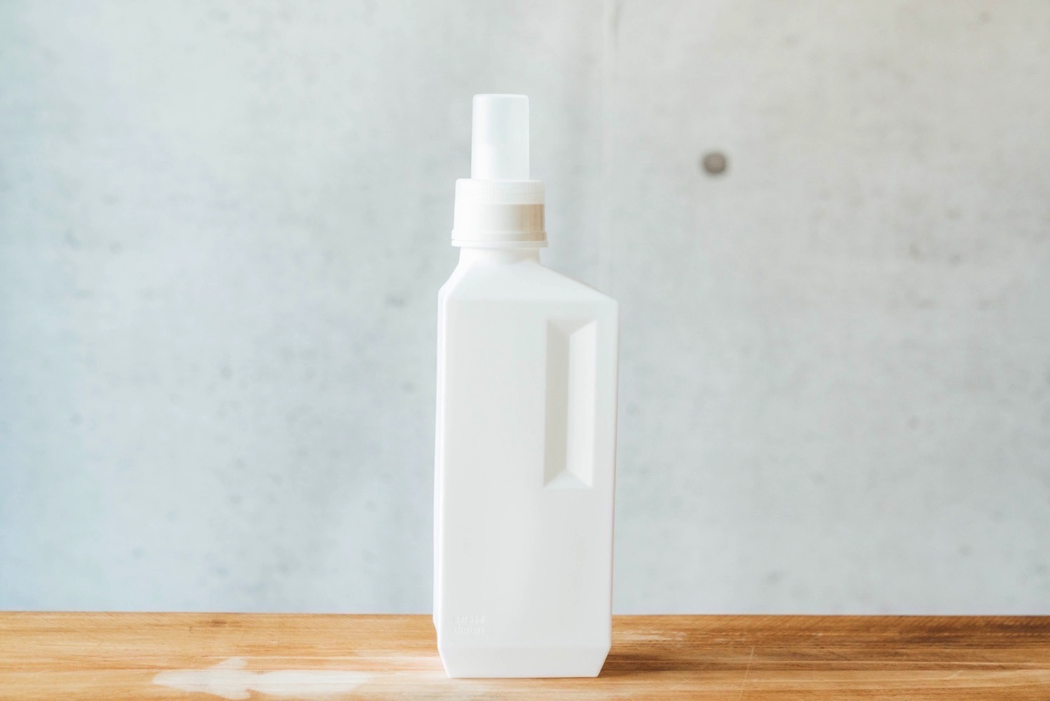 B2c laundry bottle 2