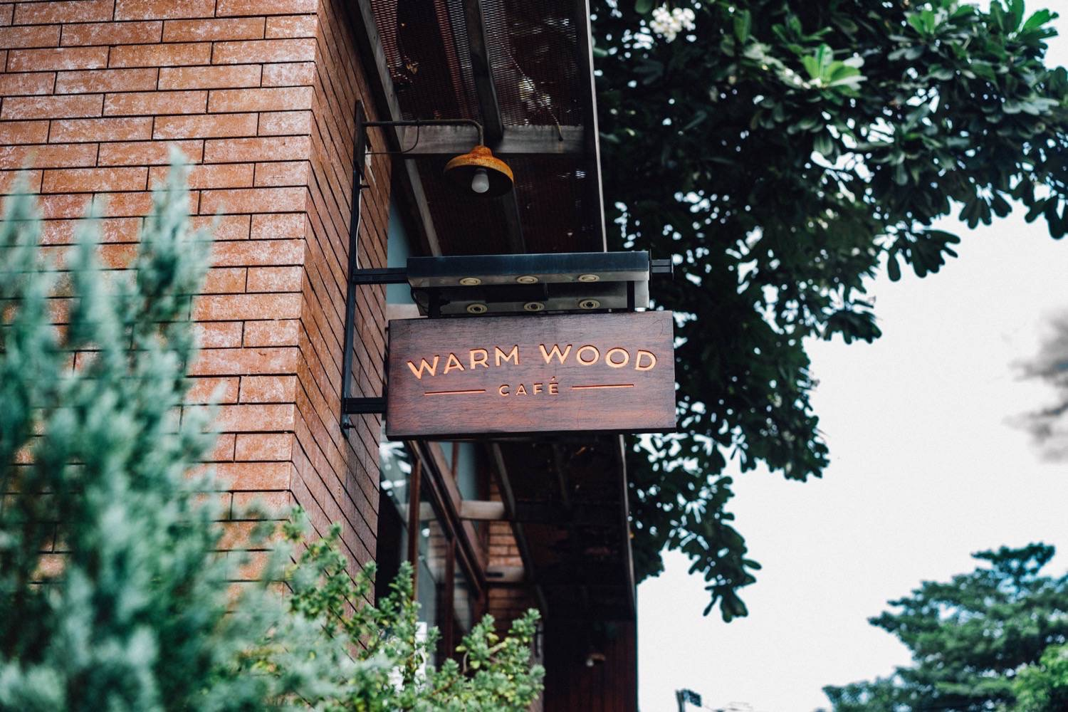Warm wood cafe thai 9